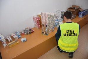Zabezpieczanie papierosów i alkoholu pochodzących z przemytu.